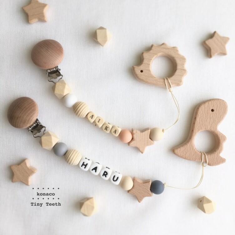 お名前入りおもちゃホルダー*選べるモチーフ*Tiny Teeth™*生年月日刻印*名入れ*出産祝い*送料込